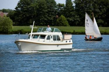 Яхта Linssen Grand Sturdy 34.9 AC